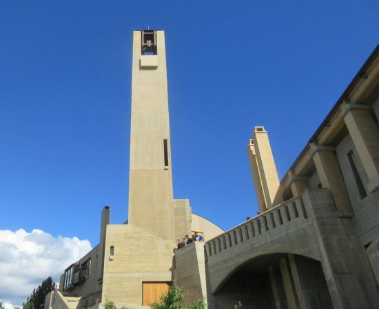 West Kelowna, كندا: Mission Hill Winery, Bell Tower, Okanagan Valley, West Kelowna, BC