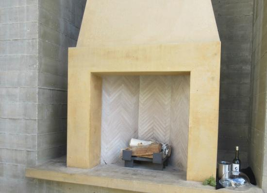 West Kelowna, كندا: Outdoor Fireplace, Mission Hill Winery, West Kelowna, BC