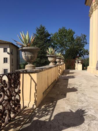 Villa Sgariglia Resort Campolungo: Scorci interni ed esterni dell'antica villa