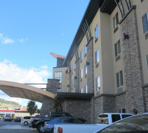 Best Western Plus Wine Country Hotel Suites West Kelowna