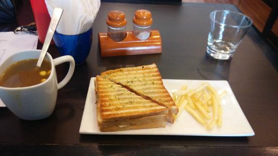 Eatalica: Veg Soup, Club Sandwich and fires