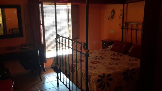 Hotel la Villa: Further view of bedroom