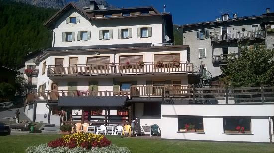 La montanara hotel reviews santa caterina valfurva for Hotel meuble sertorelli reit bormio
