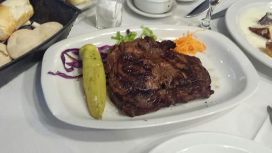 El establo : Almoço  no El Estabulo em 30 de agosto de 2015.  Pratos com ótima apresentação  e qualidade.