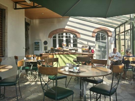 Domaine Le Martinet: salle du petit déjeuner