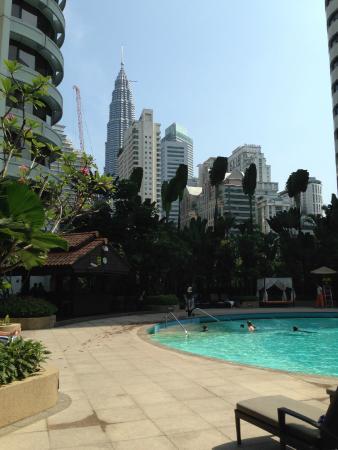Shangri-La Hotel Kuala Lumpur: View from Shangri La Pool Area