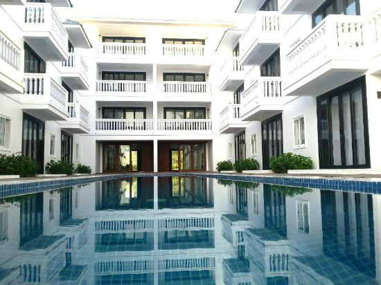 Mary Beach Hotel Resort Swimming Pool