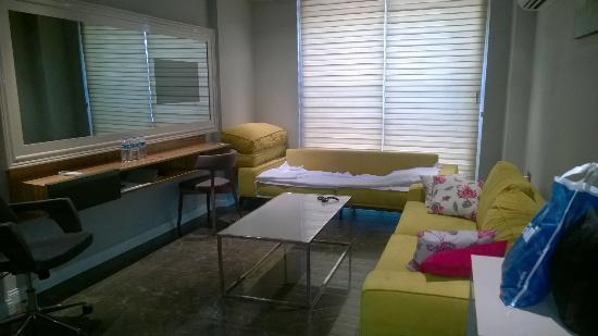 Upper House Hotel: Oda dizaynı çok modern döşenmişti ve temizlik çok iyiydi. Çalışan personel çok guleryuzlu ve yar