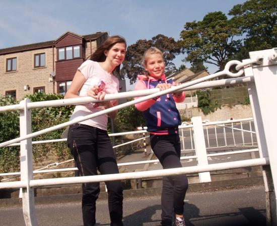 Airedale Cruising - Private Day Cruises: Opening swing bridges can be great fun too!