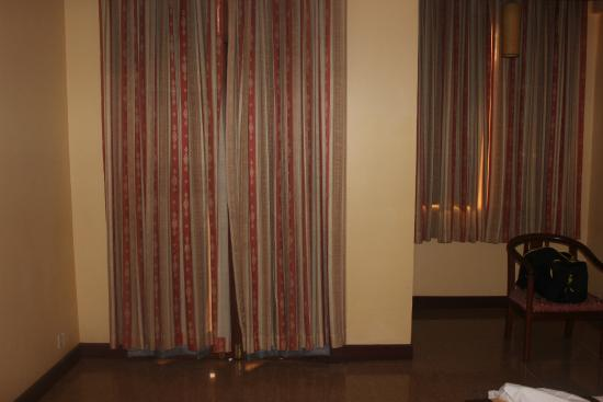Golf Angkor Hotel: inside the room