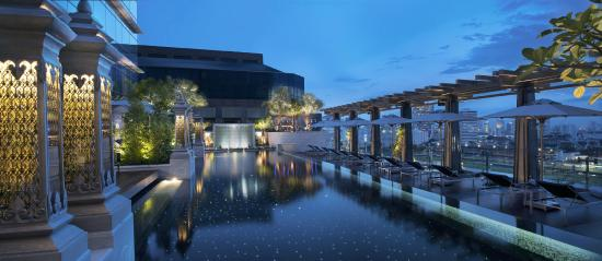 The St. Regis Bangkok: Swimming Pool