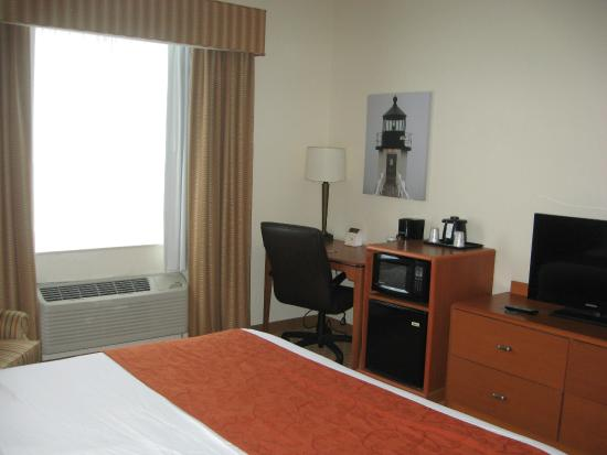 Country Inn & Suites By Carlson, Port Clinton: Room