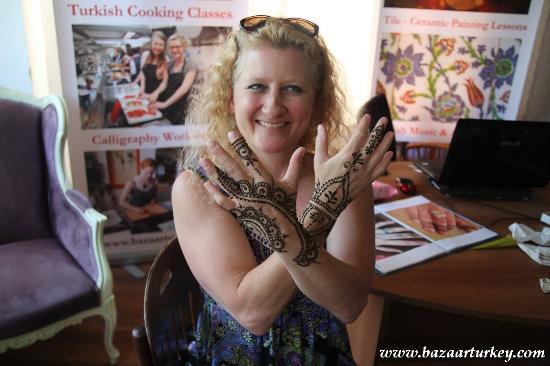 Les Arts Turcs Tours: A beautiful Turkish henna !