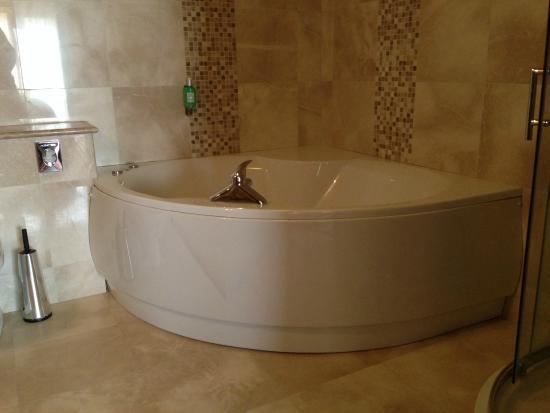 Cootehill, Ιρλανδία: Jacuzzi bath