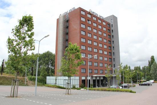 Bastion Hotel Vlaardingen: Hotel Exterior