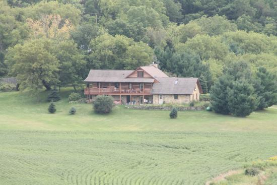 Springdale Inn: Far out view (telephoto lens)