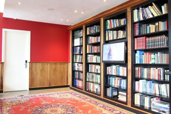 Bastion Hotel Vlaardingen: Hotel Library/Lounge