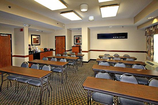 Hampton Inn and Suites Memphis - Wolfchase Galleria : MeetingRoom