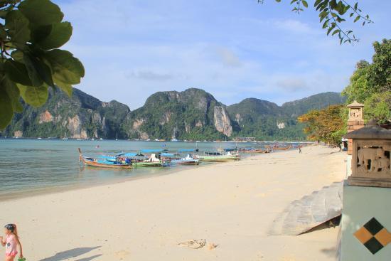Phi Andaman Beach Resort Walk Way