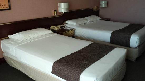 Metro Aspire Hotel Sydney: Good beds with lovely linen.