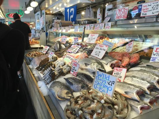 One day in seattle travel guide on tripadvisor for Pike place fish market video