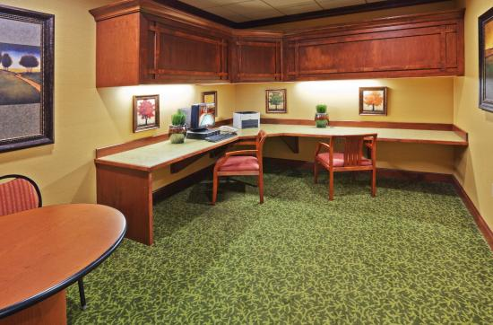 Holiday Inn Express and Suites Springfield - Downtown : Business Center