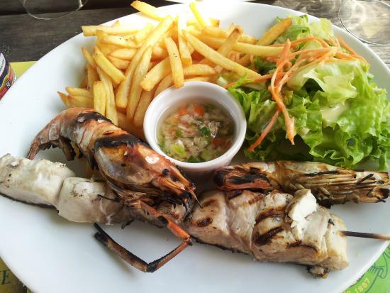 Le Kontiki: brochette de ouassous et poissons