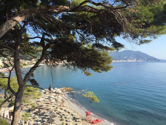 spiaggia Capo Mele Laigueglia - Picture of Bagni Capo Mele ...