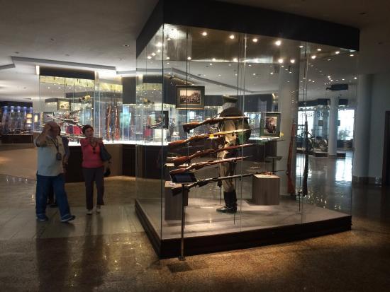 Tula State Museum of Weapons: Интересная экспозиция. Музей очень интерактивный будет интересно поиграть и детям и взрослым.