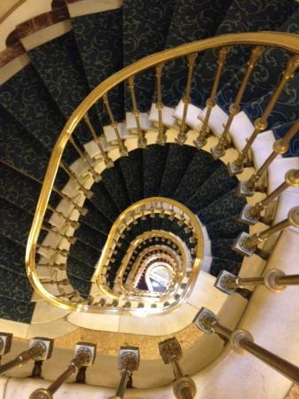 Hotel El Avenida Palace: klassieke mooie trap