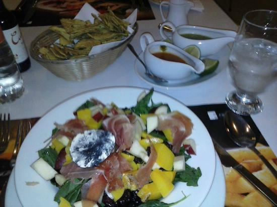 Fiesta Inn Insurgentes Sur: Una de las comidas del restaurante del hotel