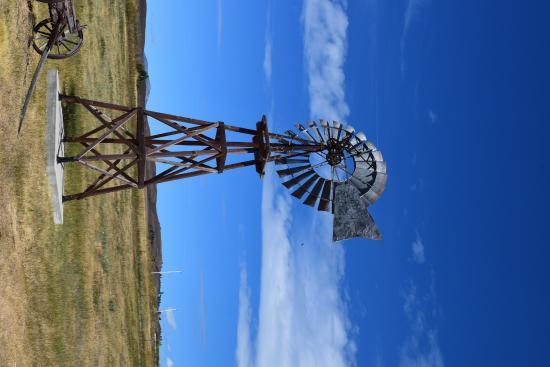 Oroville, WA: Spokane Red Cross windmill
