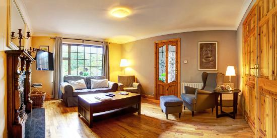 Woodside Lodge: Lounge