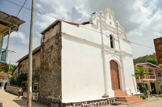 Chiman, פנמה: Historic Spanish Colonial Church Fort of Chiman, Panama