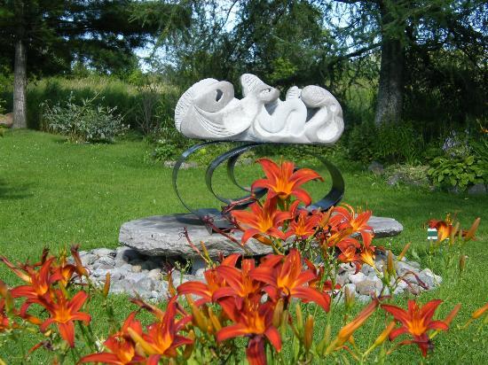Galerie & Jardin de sculptures sur pierre Marc Côté