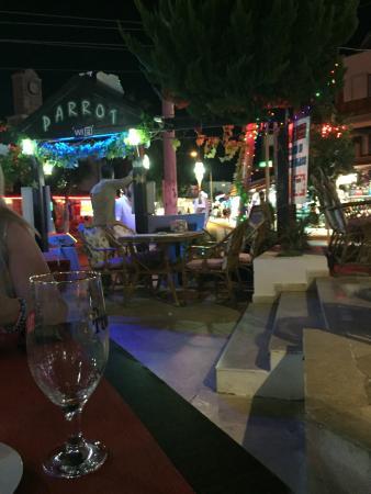 Parrot Restaurant: The Parrot