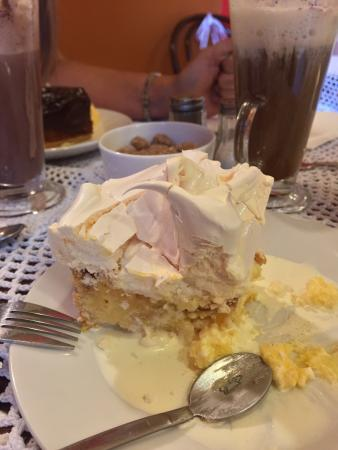 Cafe del Art: Lovely cake