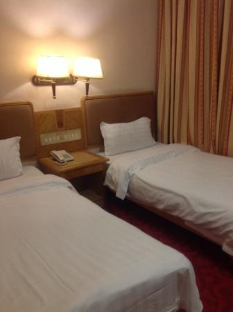 New Asia Hotel : Bedding changed daily