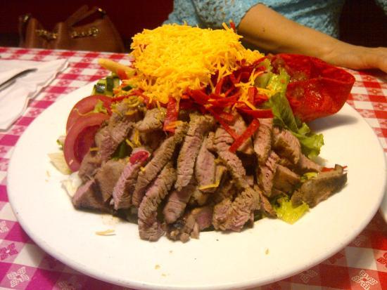Ludy's Main Street BBQ: Tri-tip Salad