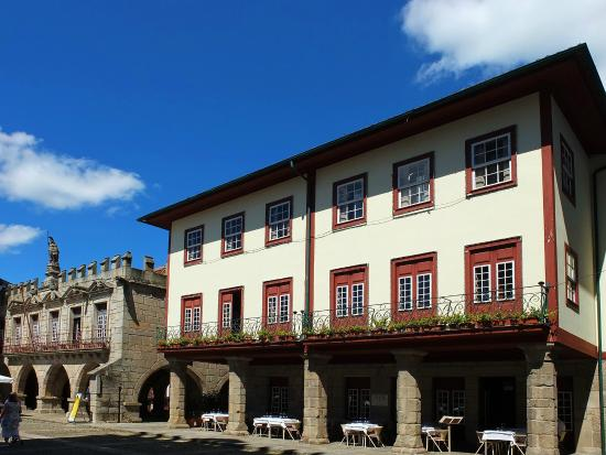 Centro Historico de Guimaraes: Largo da Oliveira