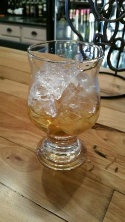 Baraboo, Wisconsin: A Classic Scotch At Con Amici Wine Bar