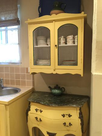 Le Vieux Manoir: Kitchenette