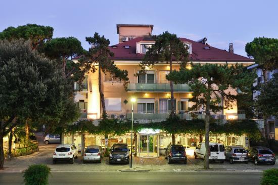 Hotel Mimosa - Facciata