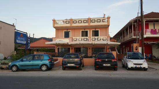 Hotel Florena Episkopos: Vista dell'Hotel