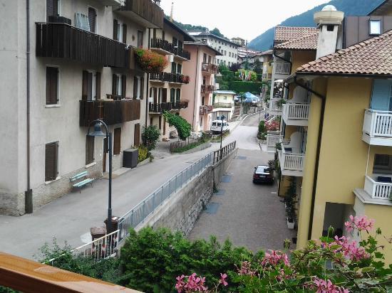 Hotel Negritella: vista passeggiata per il centro