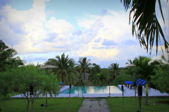 Windy Hill Resort : Infinity pool