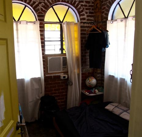 Yellow Doors Hostel Room... double bed air con. & Room... double bed air con... - Picture of Yellow Doors Hostel ... pezcame.com