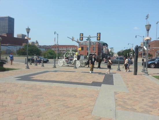 Bricktown: Upper level Riverwalk