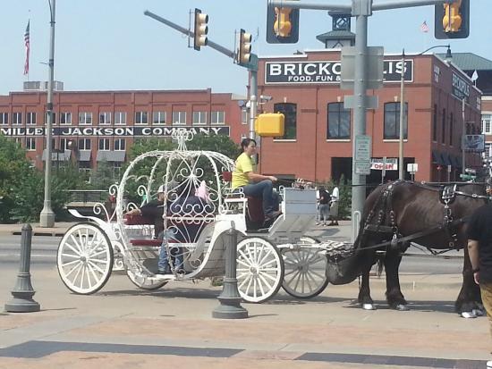 Bricktown: Cinderella's carriage ride