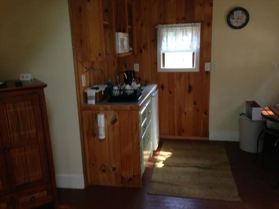 Beech Tree Cottages: Small Kitchen